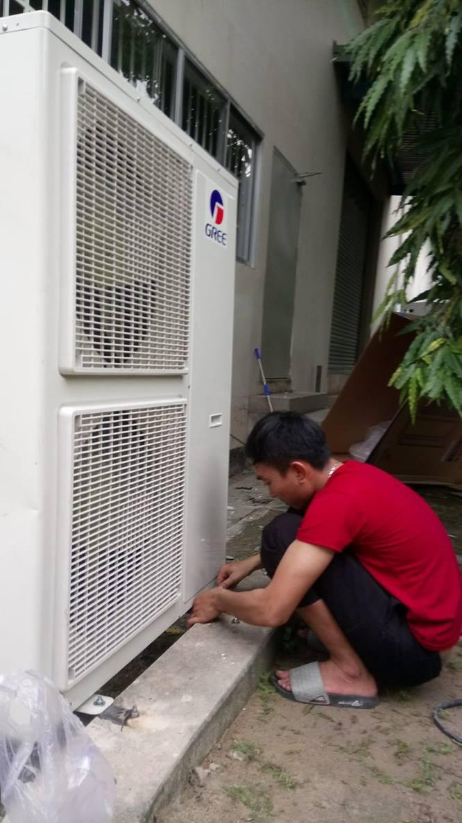 Lắp máy lạnh tủ đứng GREE