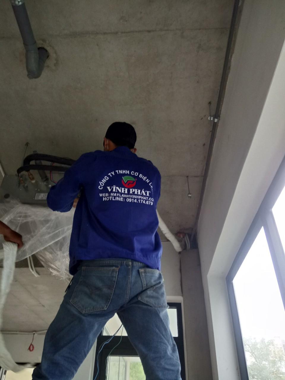 Lắp máy lạnh giấu trần nối ống gió DAIKIN tại Lucasta - quận 9 (23)