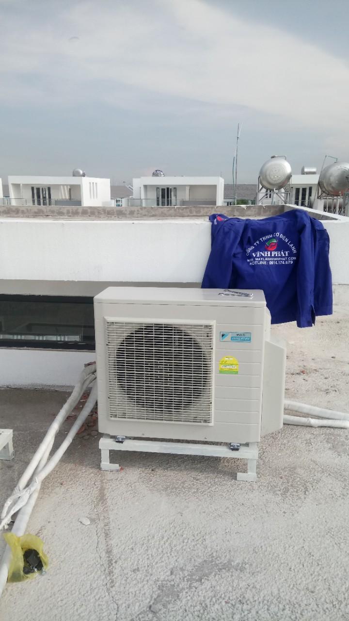 Lắp máy lạnh giấu trần nối ống gió DAIKIN tại Lucasta - quận 9 (25)