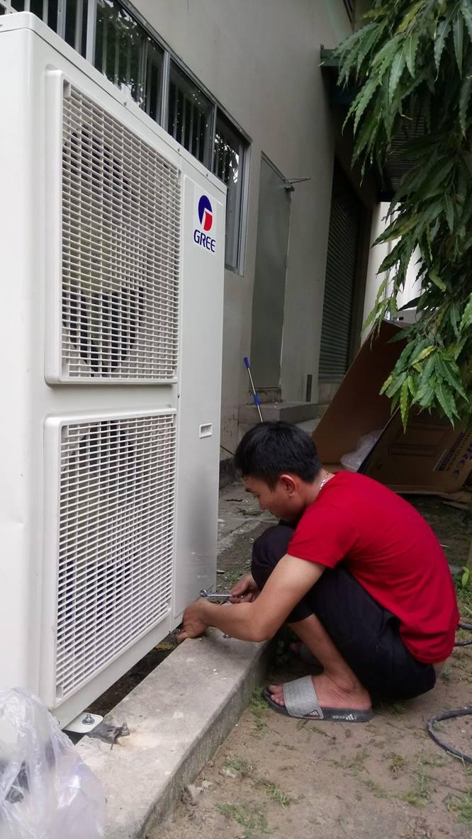 Lắp máy lạnh tủ đứng GREE 2