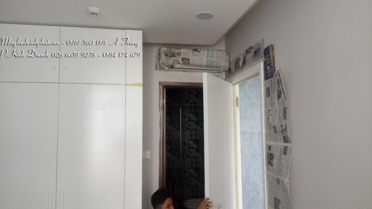 Lắp máy lạnh treo tường TOSHIBA - Tân Phú (1)