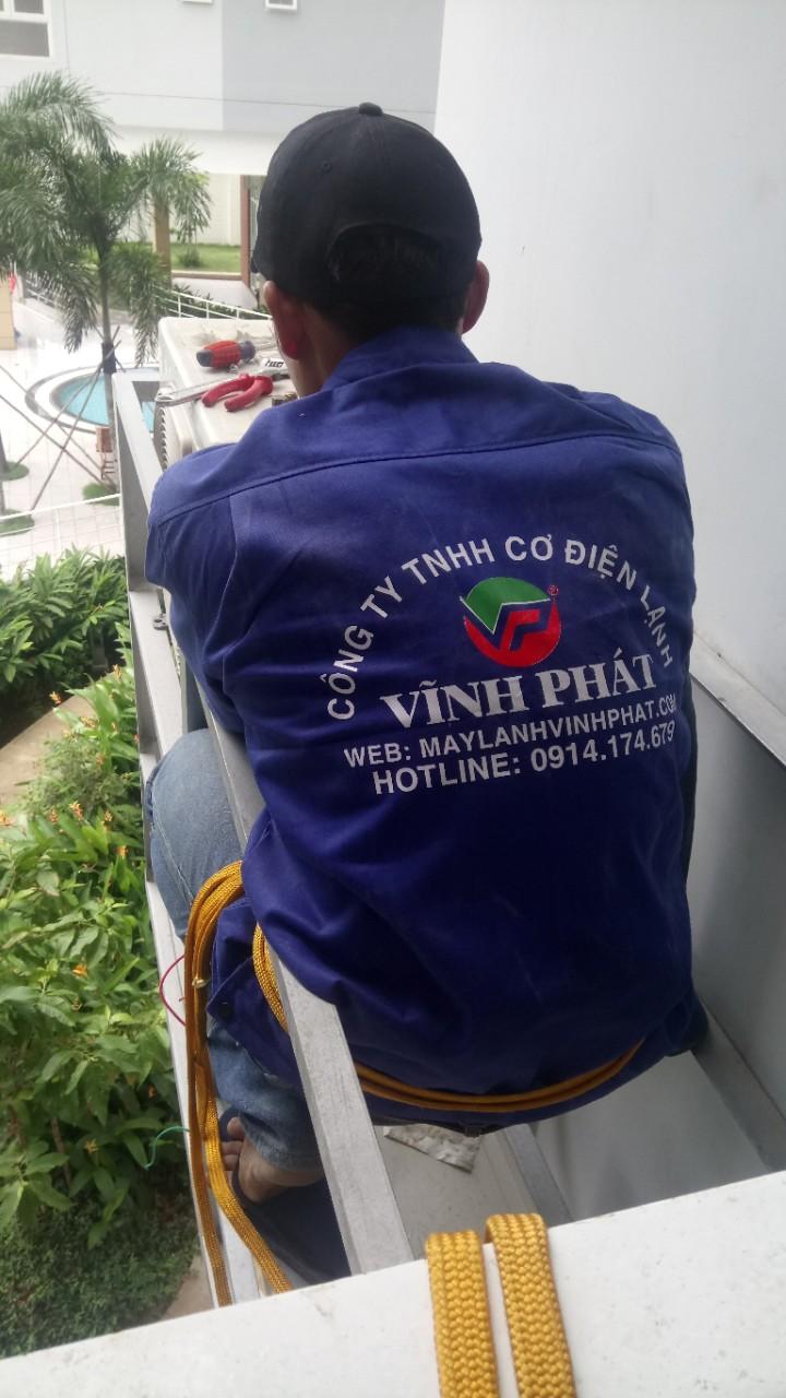 Lắp máy lạnh treo tường TOSHIBA - Tân Phú (6)