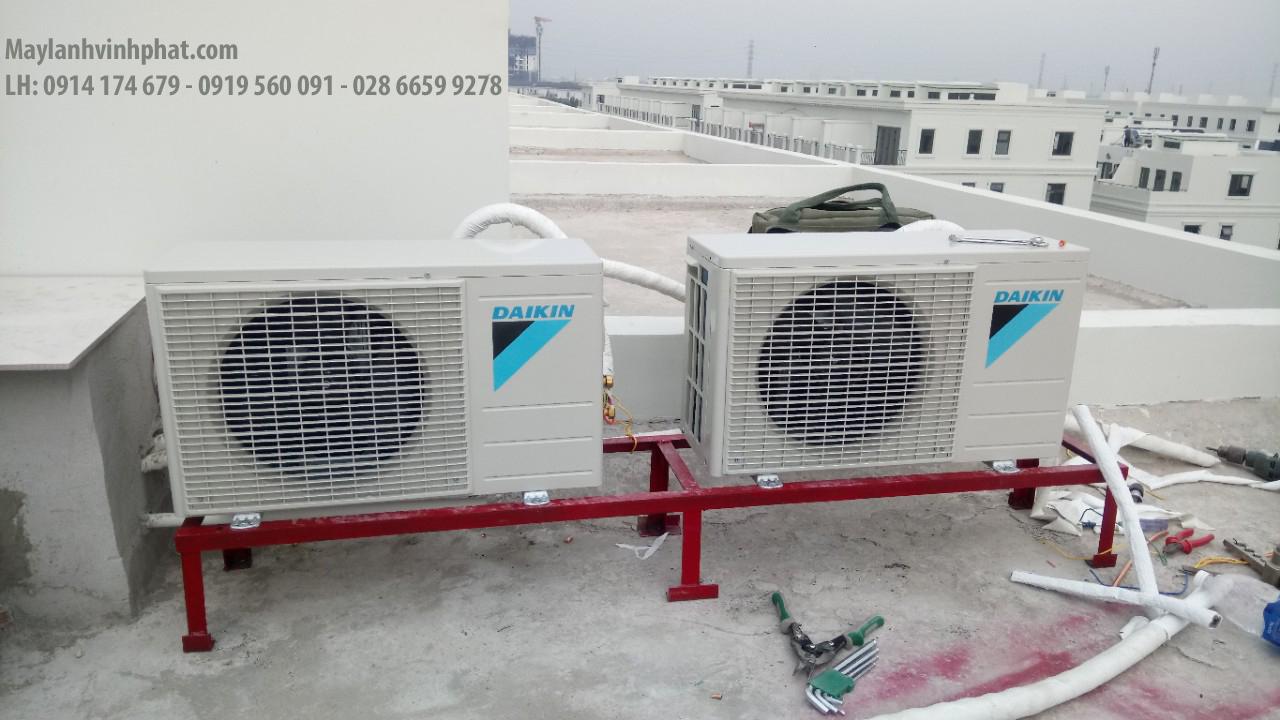 Lắp máy lạnh treo tường DAIKIN 11