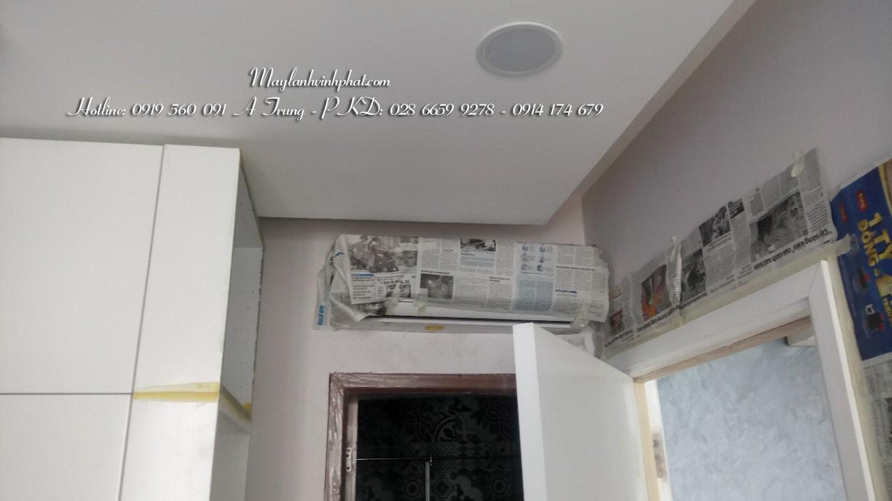 Lắp máy lạnh treo tường TOSHIBA - Tân Phú (2)